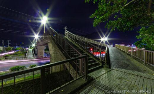 朝日小学校前の歩道橋